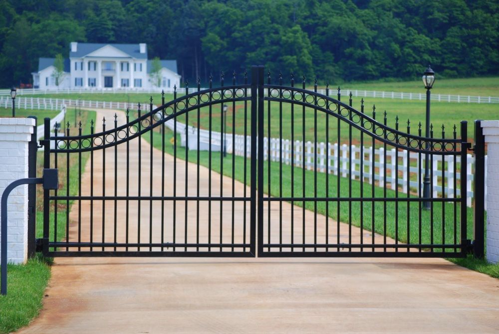 Arched Aluminum Entry Gate