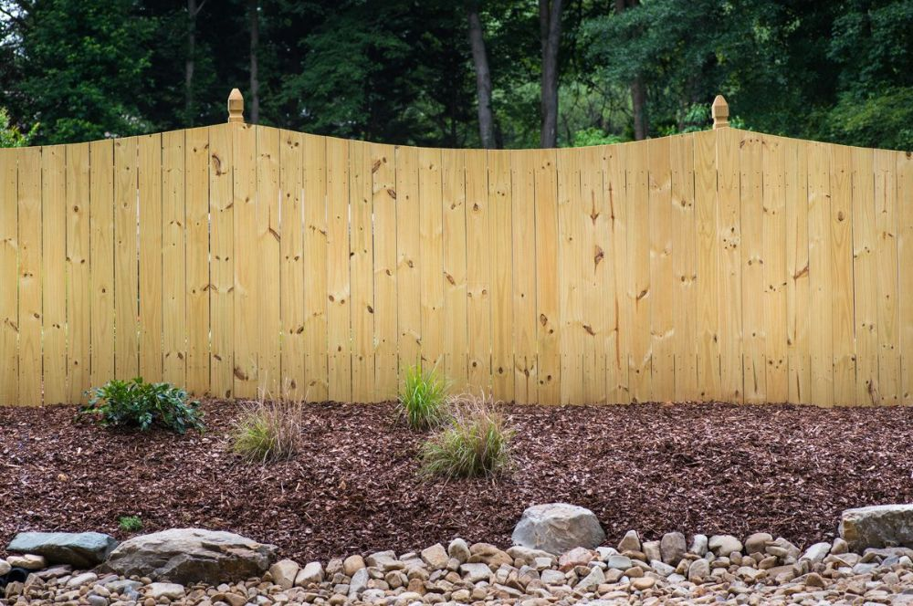 Wood Privacy Colonial Scallop