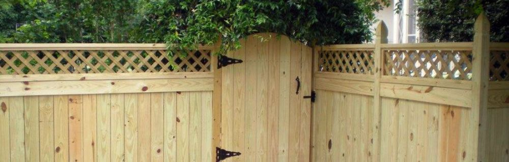 Wood Privacy With Lattice Top