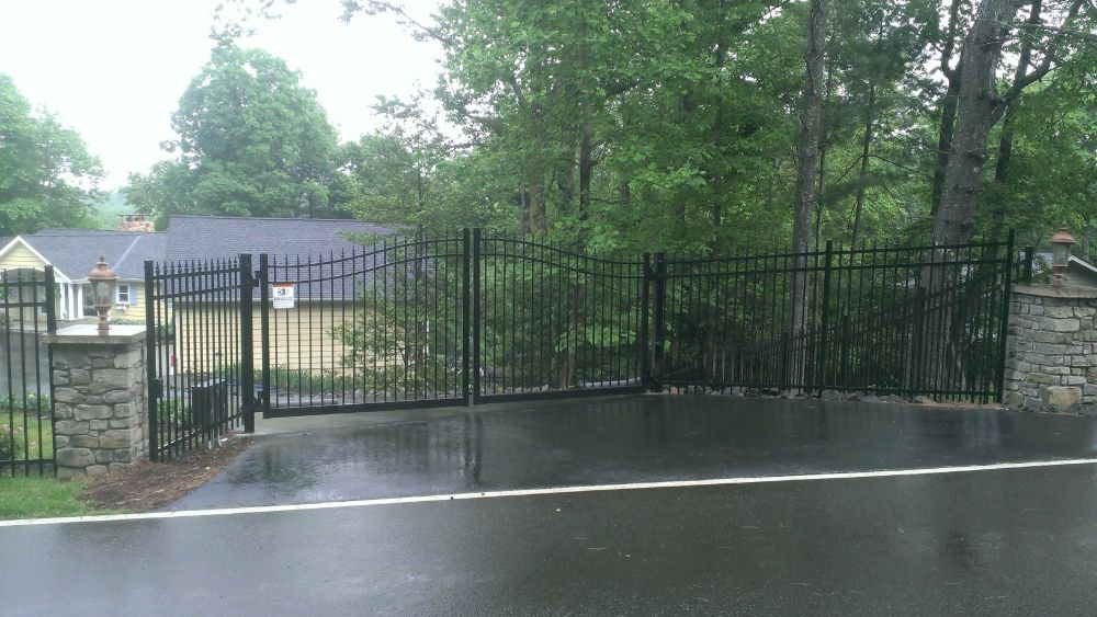 Aluminum Double Swing Gate with Access