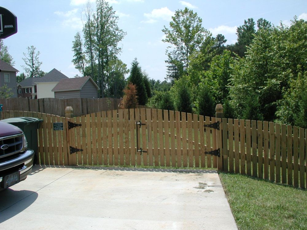 Colonial Arch Wood Picket Dbl Gate
