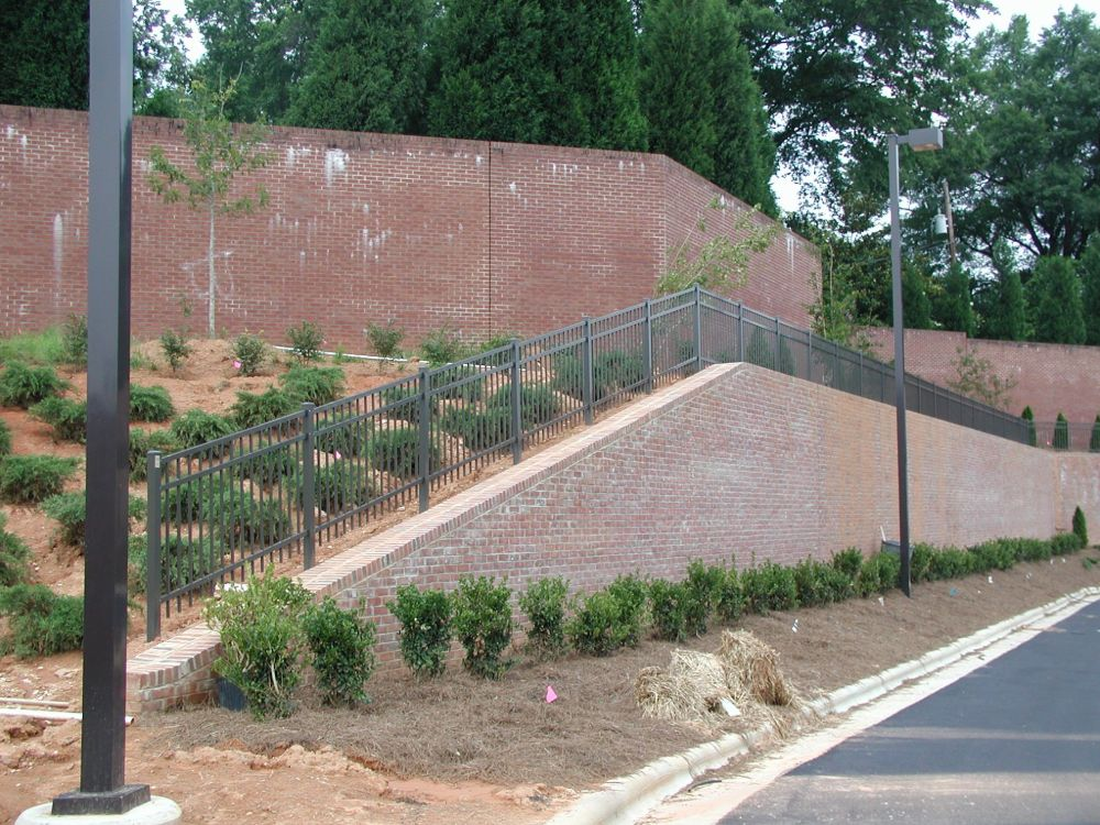 Ornamental Aluminum Retaining Wall Fence